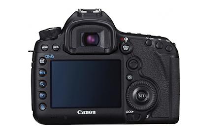 Fotografia del dorso della Canon EOS 5D Mark III