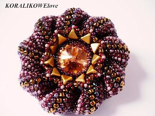 Wisior z koralików z kryształem Swarovskiego ręcznie robiony
