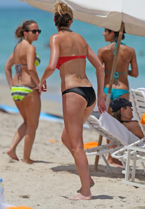 Filthy Anarchists Phlog: Erin Andrews bikini creeps