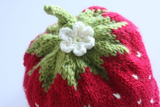 Intarsia Knitting Patterns For Children : Strawberry Baby