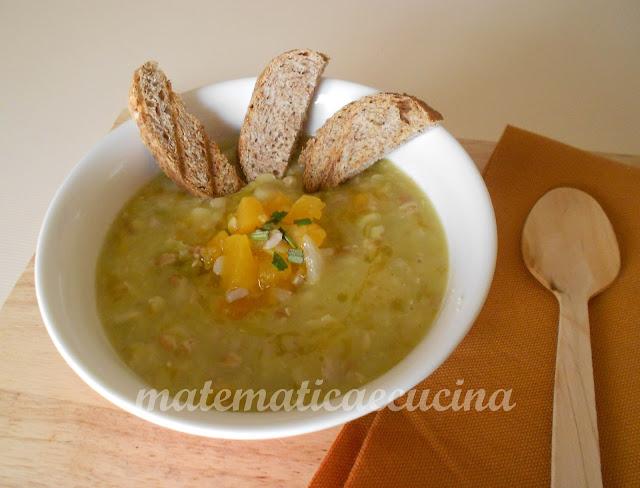zuppa di legumi e cereali misti con la zucca