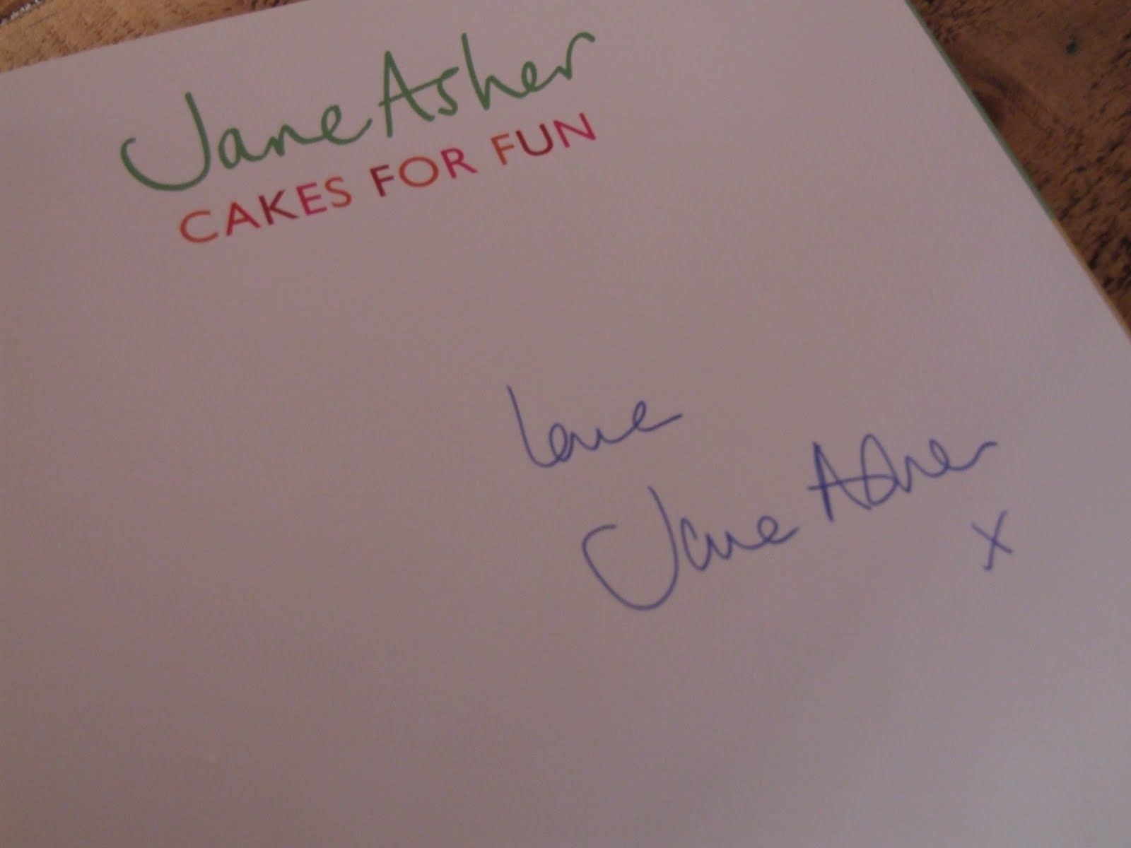 THE CUPCAKE QUEEN: Signed Copy of Jane Asher Cake Book ...