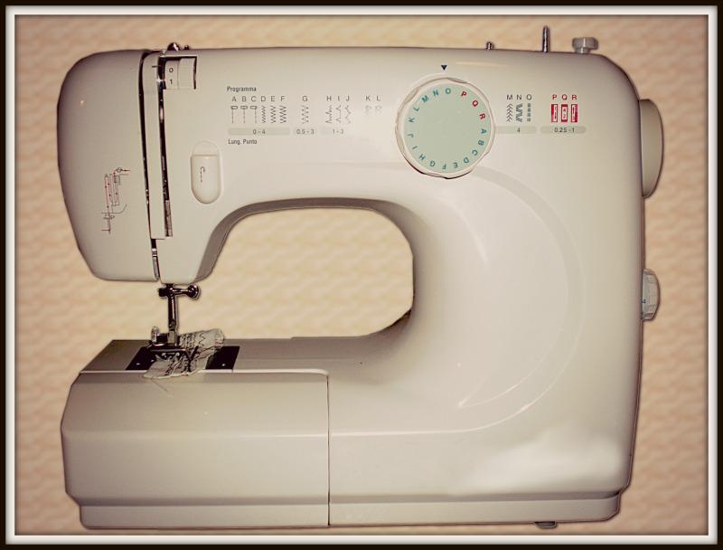 Comprare la macchina da cucire quando cucire diventa una for Porta macchina da cucire