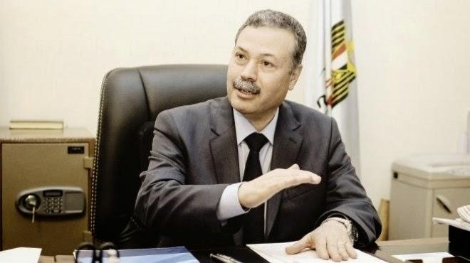 """وزير التعليم """" يكشف سر اقالتة الجماعية لمعاونين الوزير والمتحدث الاعلامى عمر ترك """""""