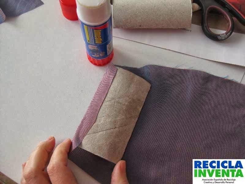Cajas para regalos con rollos de papel higiénico en Recicla Inventa