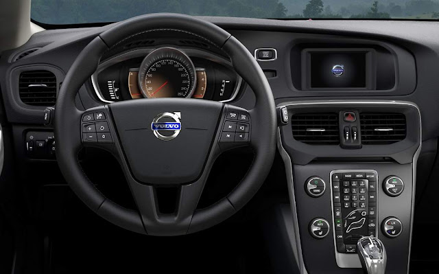 Volvo V40 T3 Knetic - interior