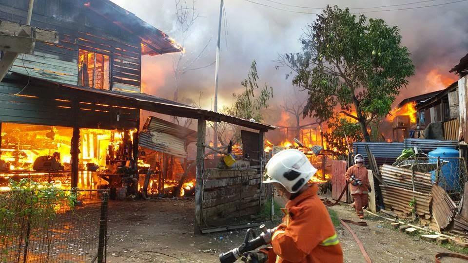 20 Buah Rumah Musnah Dalam Kebakaran Di Tawau