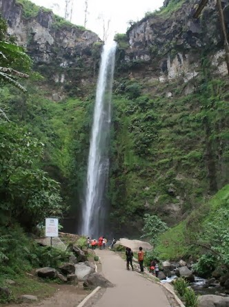 The beauty of Coban Rondo Waterfall Malang | Variety of Tourism in on