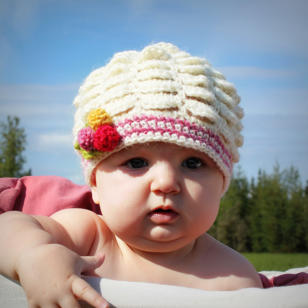 Crocheting Newborn Baby Hat : crochet baby hats-Knitting Gallery