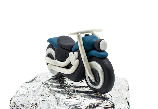 Motor bike fondant topper front shot