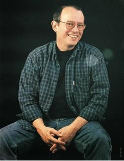 Silvio Rodríquez sonriendo