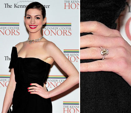 anne hathaway became engaged in 2011 received 6 carat diamond ring valued at 150000 - Hilary Duff Wedding Ring