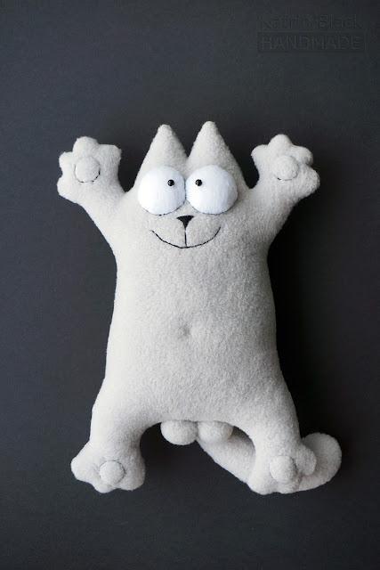 Кот Саймона серый с яйцами. Игрушка handmade. Купить.