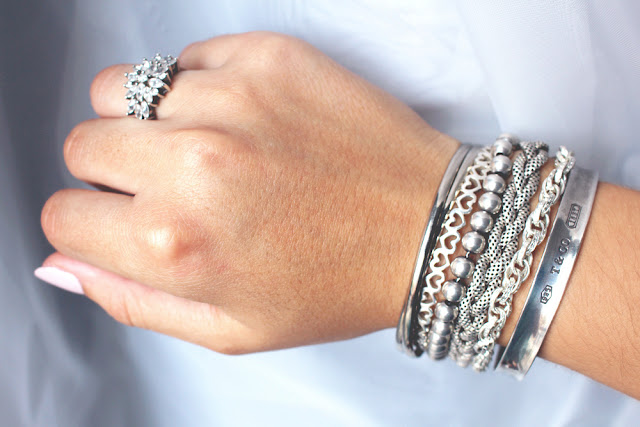 Stacked silver bracelets - everyday jewellery - fashion blog