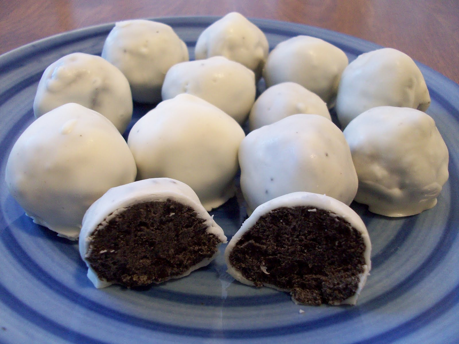Just Keep Talkin': Food Friday-Oreo Truffles