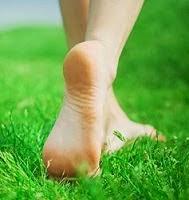 Tips dan  Cara alami menghilangkan tumit pecah-pecah