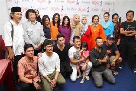 Sinopsis Film Hijab - Hanung Bramantyo (2015)
