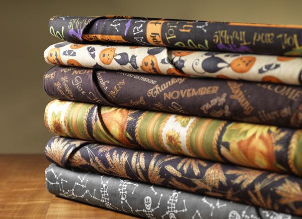 Fabric Holiday Wine Gift Bag @craftsavvy #craftwarehouse #sewing #gift #bag #diy