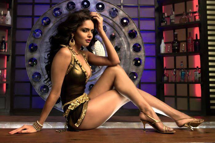 nathalia kaur from department movie, nathalia kaur unseen pics