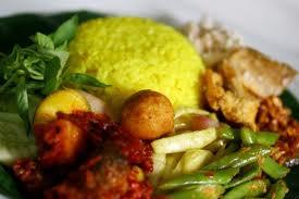 Makanan Indonesia - Nasi Kuning