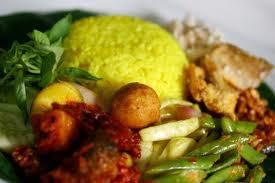 Makanan Indonesia - Nasi Kuning - http://lintasjagat.blogspot.com/