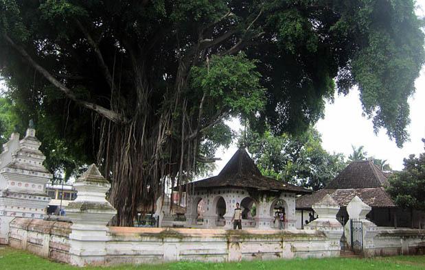 Peninggalan Kerajaan Cirebon Keraton