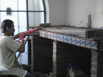 José tiling the counter
