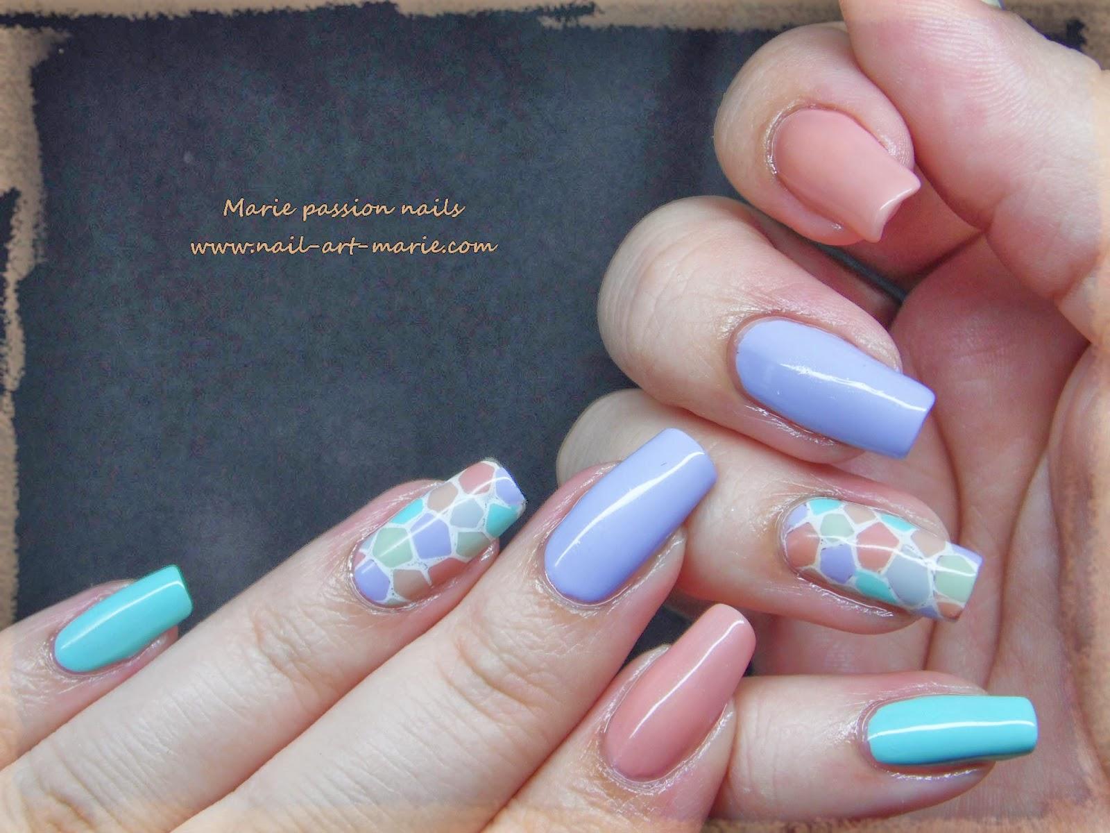 nail art mosaïque pastel3