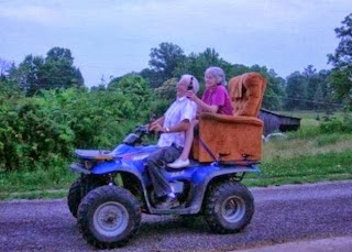 funny picture: Grandma and Grandpa on the tour