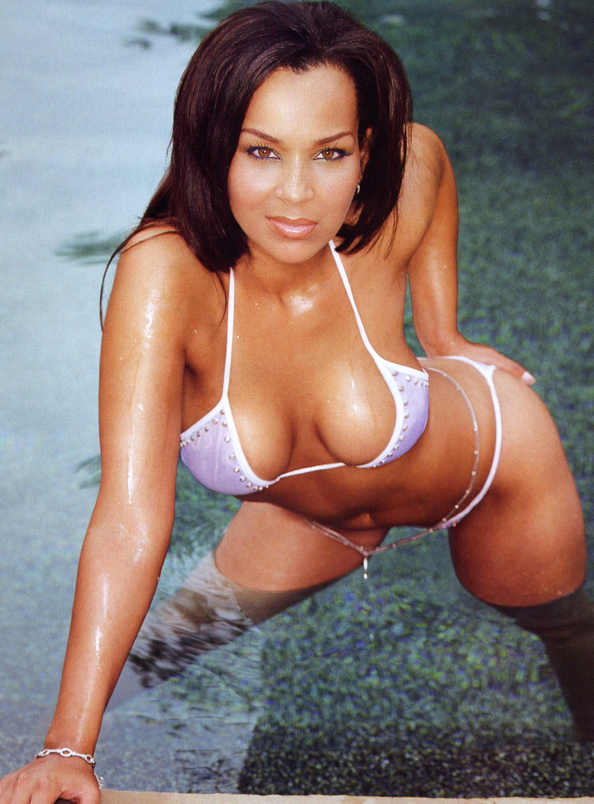 related pics: lisa raye butt naked - Rude