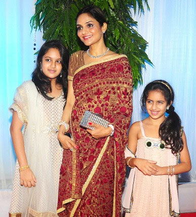 The gallery for --> Vadivelu Family Vadivelu Daughter Kavya Marriage
