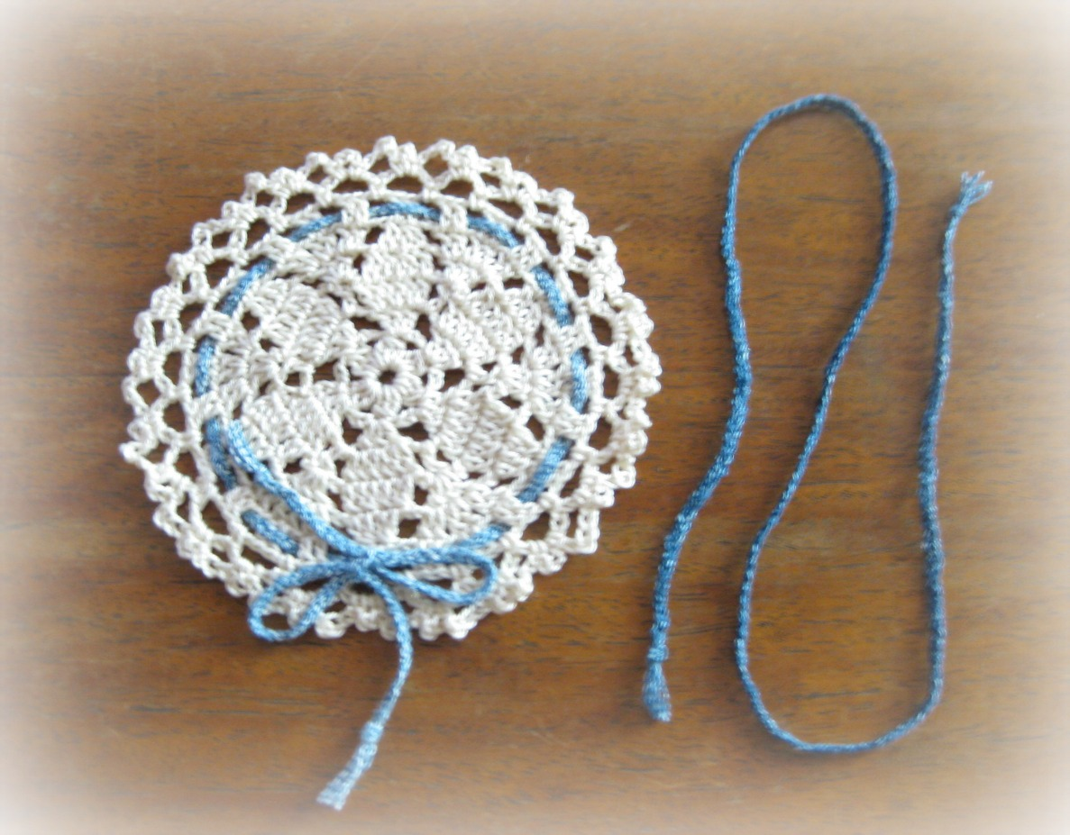 Crocheting with Cotton threads...its more fun in the Philippines ...