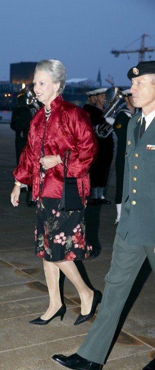 La Princesse Marie n'y assistait pas car elle est à New York où elle assiste du 24 au 26 septembre à des conférences sur l'autisme.  Mary portait une robe Dolce & Gabbana.