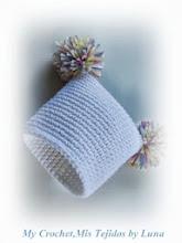 Pom Pom Baby Hat