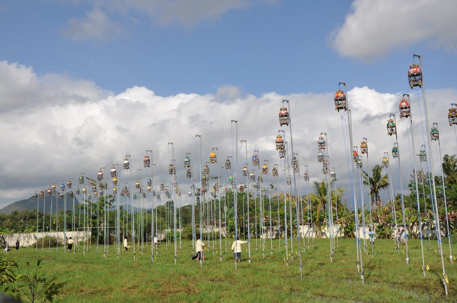 Institut ilmu pendidikan dinamika sistem katrol contoh pemanfaatan katrol tetap pada event lomba kicau burung sumber gambar humas trenggalek2spot ccuart Choice Image