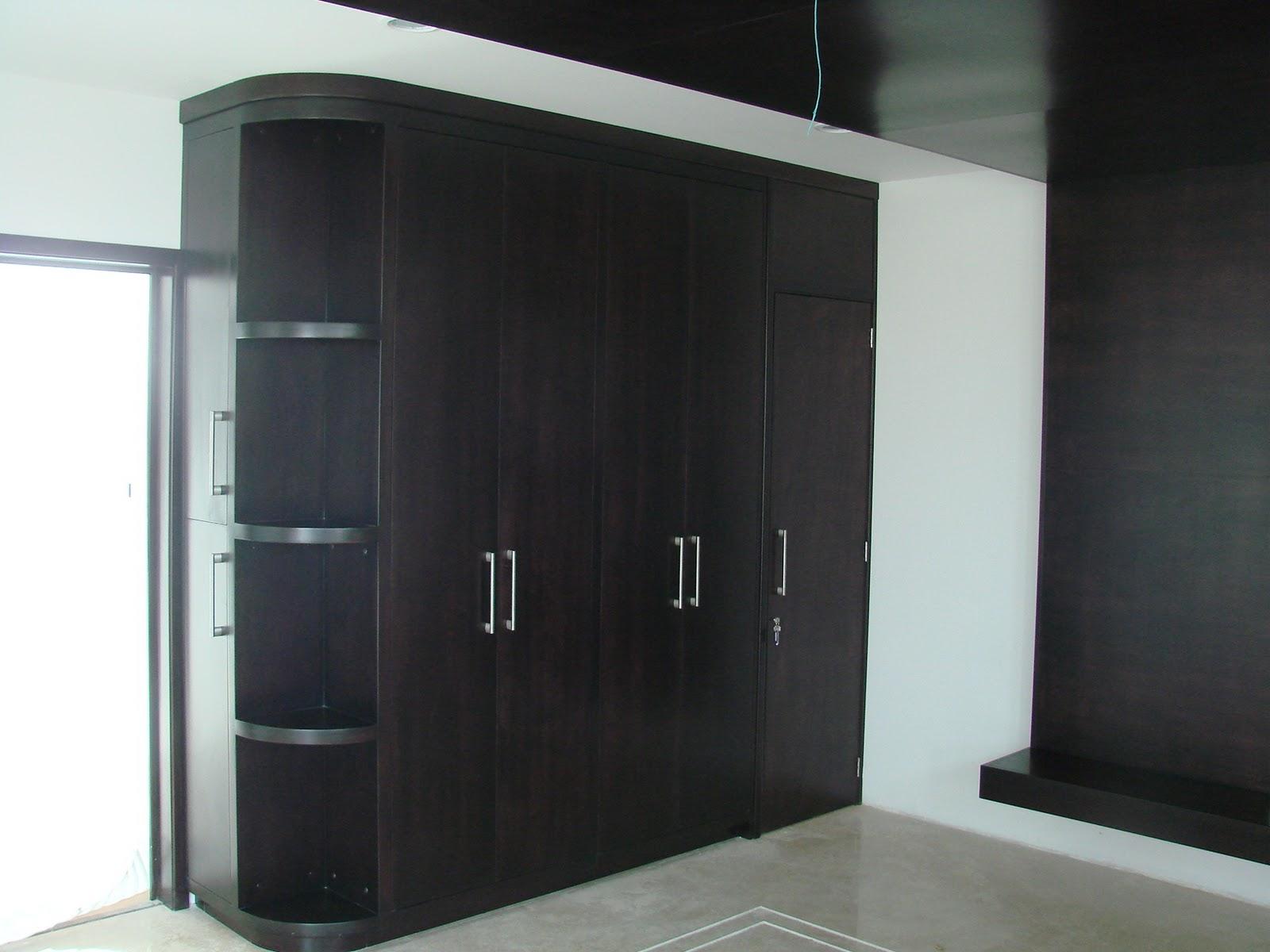 Closet con puertas corredizas madera maple melamina for Puertas corredizas