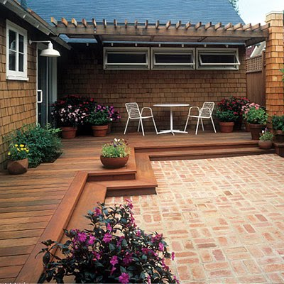 Familjen villa grande altaner for Small house deck designs