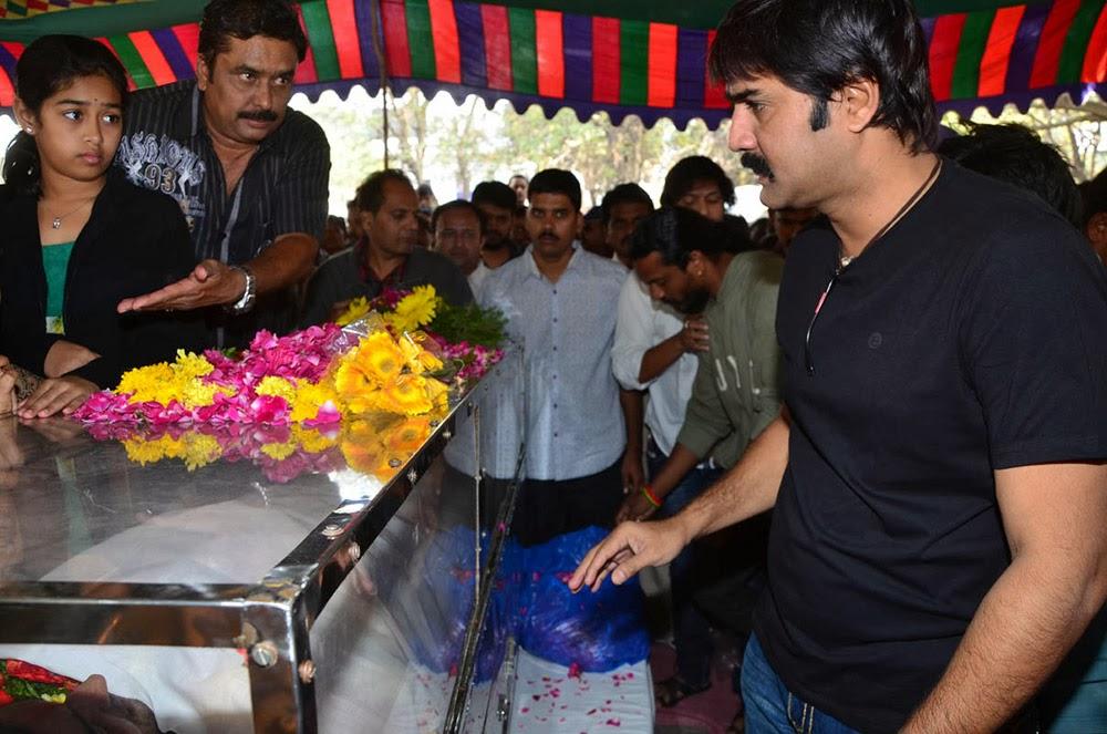 Telugu Hero Uday Kiran Condolences-HQ-Photo-1
