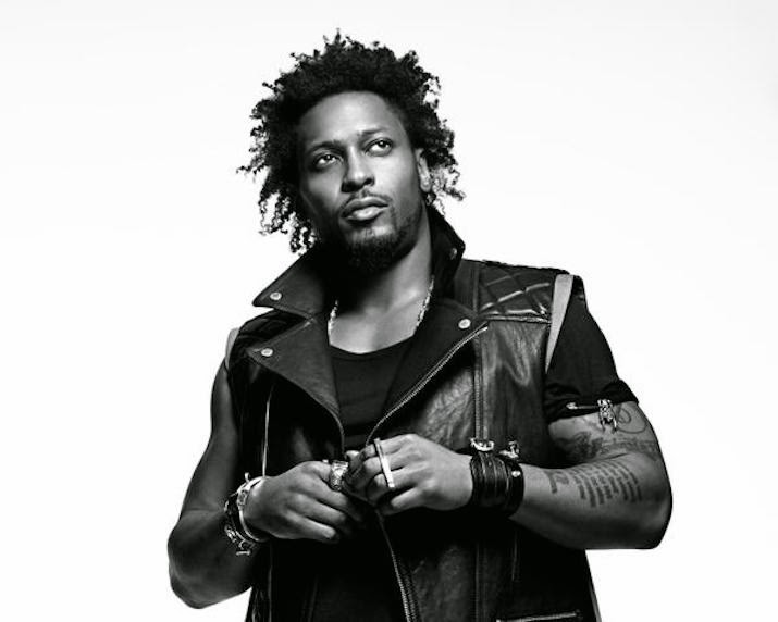 "D'Angelo Releases First Album in 15 Years! Listen to His New Single ""Sugah Daddy"""