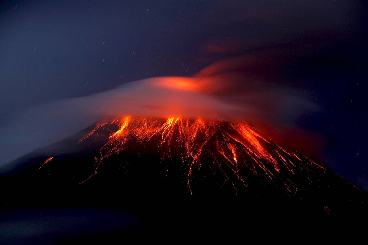Android Phones Wallpapers: Android Wallpaper Volcano