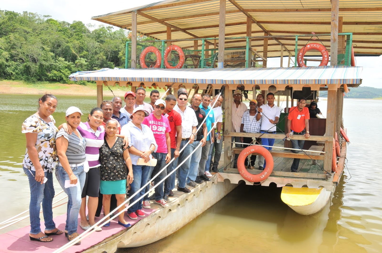 Cooperativa vega real culmina diplomado producci n de for Produccion de peces en estanques