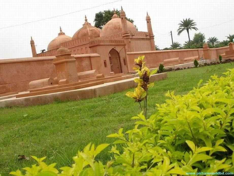 historical places of bangladesh Historical places of beautiful bangladesh posted: 5 feb,15 on culture and heritage bangladesh is the most beautiful country of south asia loaded with natural beauties and historical establishments.