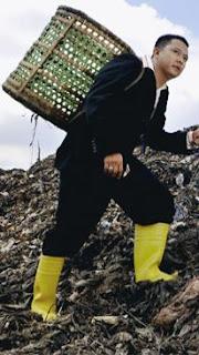 Baedowy pengusaha daur ulang sampah plastik