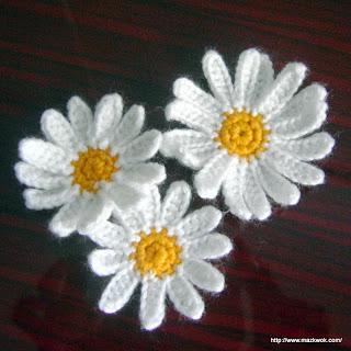 crochet daisy applique