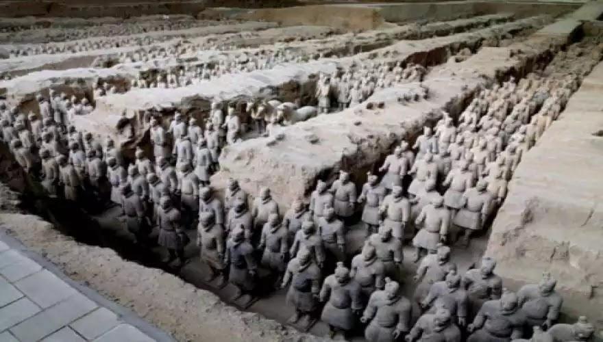 Κινέζοι αρχαιολόγοι: «Τον πήλινο Στρατό του Πρώτου Αυτοκράτορα της Κίνας τον έφτιαξαν αρχαίοι Έλληνες» - Η εκστρατεία του Διονύσου έγινε στ' αλήθεια...!!