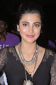 Shruti Haasan New photos-thumbnail-18