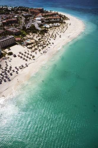 Eagle Beach à Aruba, une île de la mer des Caraïbes