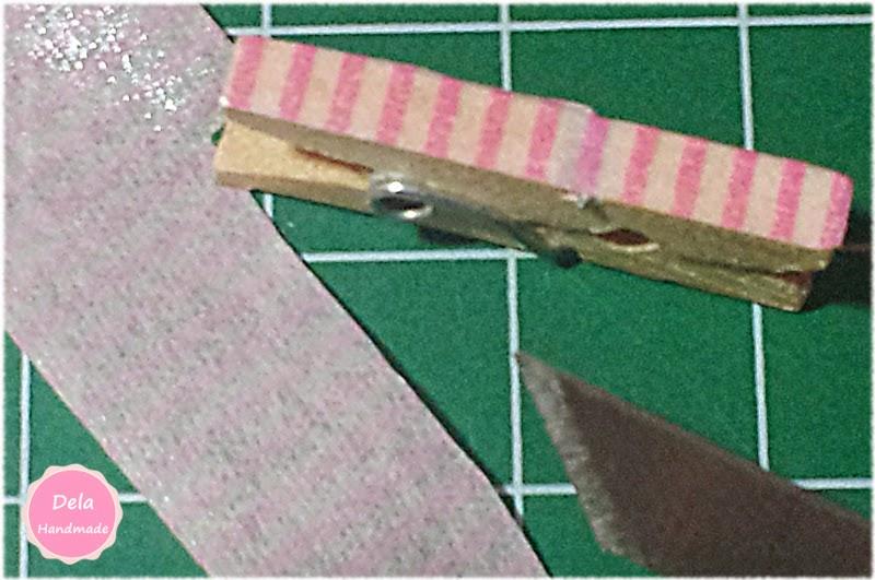 "<img src=""Pinza-decorada-con-Washi-Tape.jpg"" alt=""Pinza decorada con Washi Tape"">"