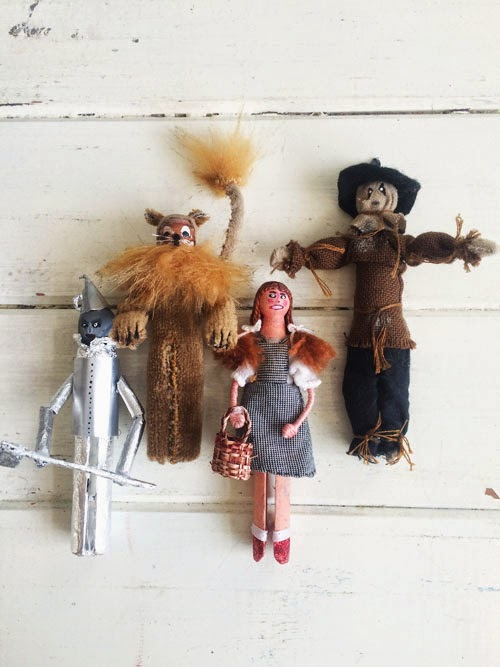 small acorns peg doll competition via small acorns blog