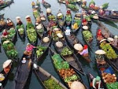 pasar di atas sungai